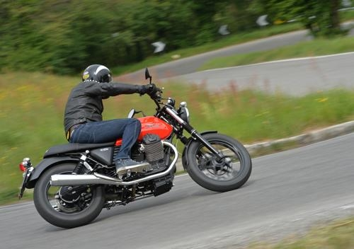 prova moto guzzi v7 2014 stone, special e racer - prove - moto.it